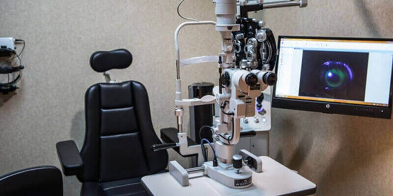 Advanced Eye Care Technology in Houston